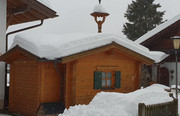 Eingeschneites Haus
